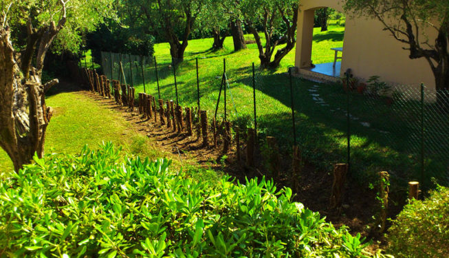 Building a wall in Mougins - Ace of Spades Gardens